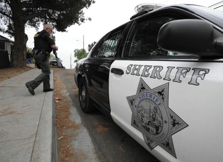Policía mata a tres perros pitbull en San Diego